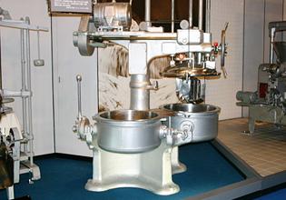 プロセスチーズ製造機